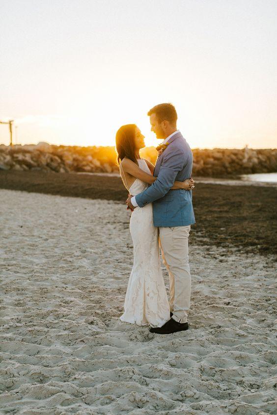 Bridal wedding photo - beach