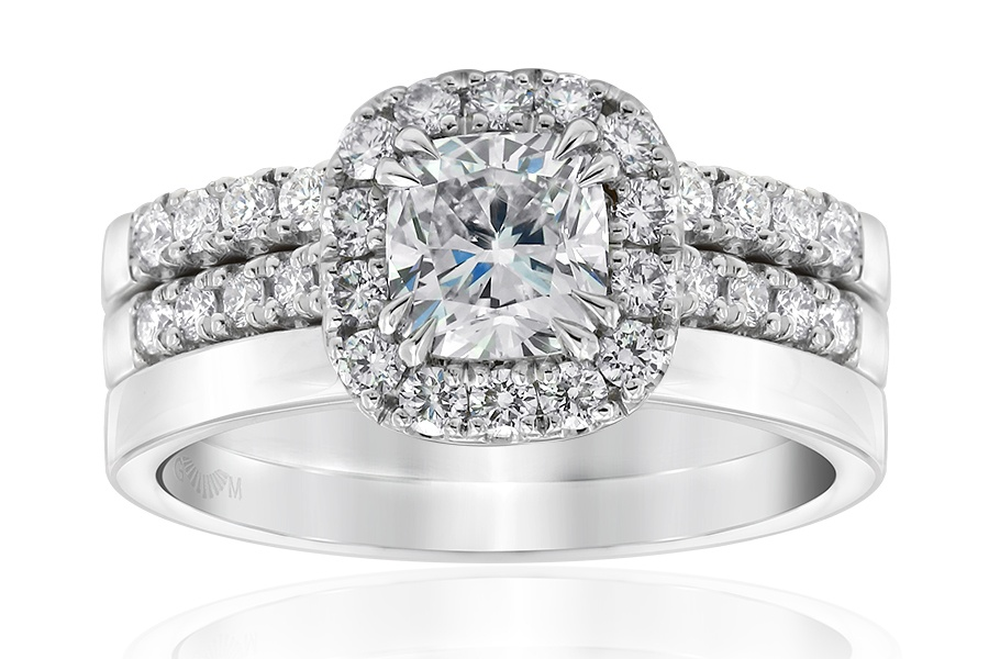 Aura Cushion Diamond Bridal Ring Set.jpg
