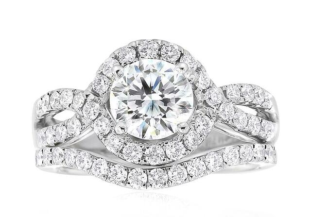 Deluxe-with-wedding-ring-1.jpg