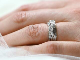 Embrace Bridal Ring Set.jpg