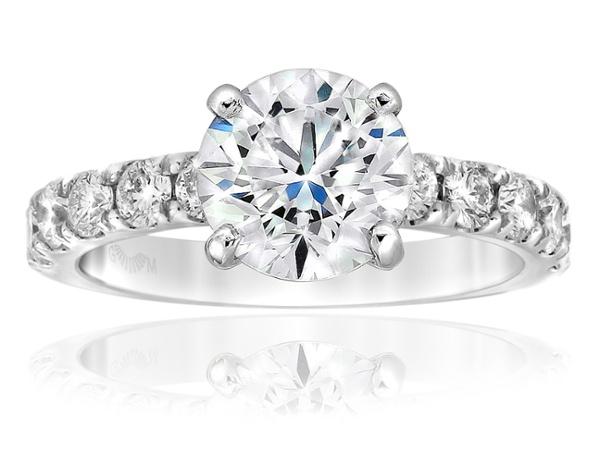 Aria ring with 2.00 carat centre diamond